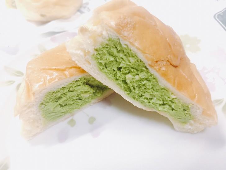 抹茶くりーむパン